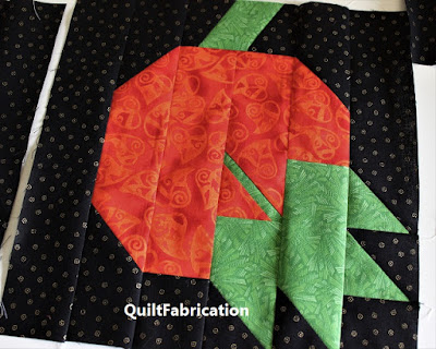 pumpkin leaf block by QuiltFabrication