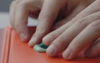 Cara paling mudan membobol kunci sidik jari pada smartphone