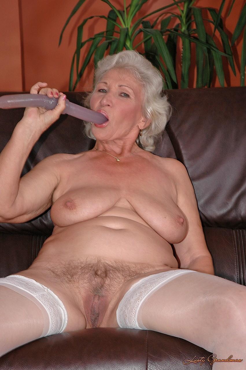 порно бабушка старых 70 лет