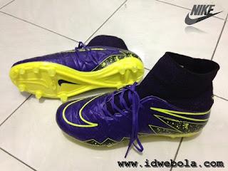 Sepatu Bola Nike Hypervenom II Purple