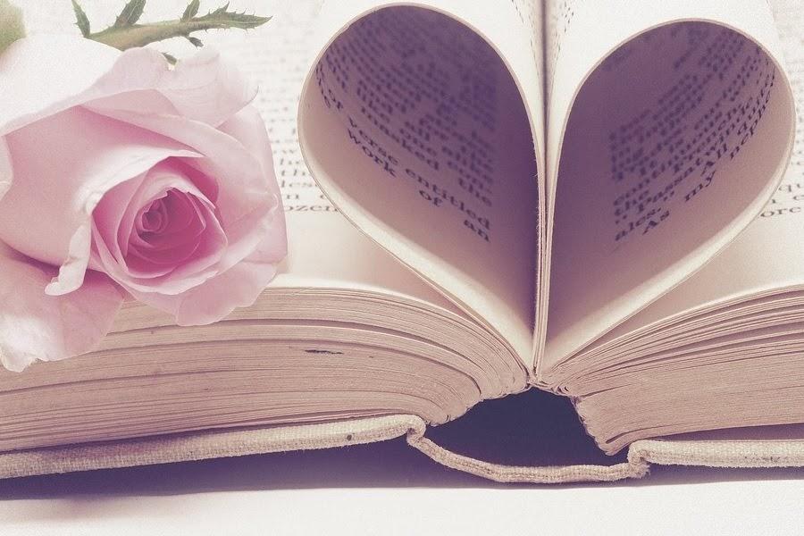 Flor e livro
