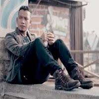 Lirik dan Terjemahan Lagu Andra Respati - Harato Pamisah Cinto