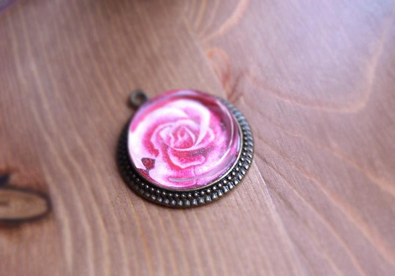 colgante-vintage-ilustracion-rosa-latiendadedibus