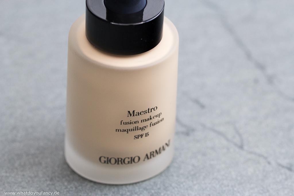 Giorgio Armani Maestro Fusion Makeup Foundation Farbton 3 Flakon seitlich