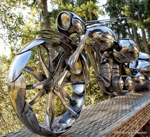 04-Jim-Rice-Chopper-Motorcycle-Sculptures-made-from-Spoons-www-designstack-co