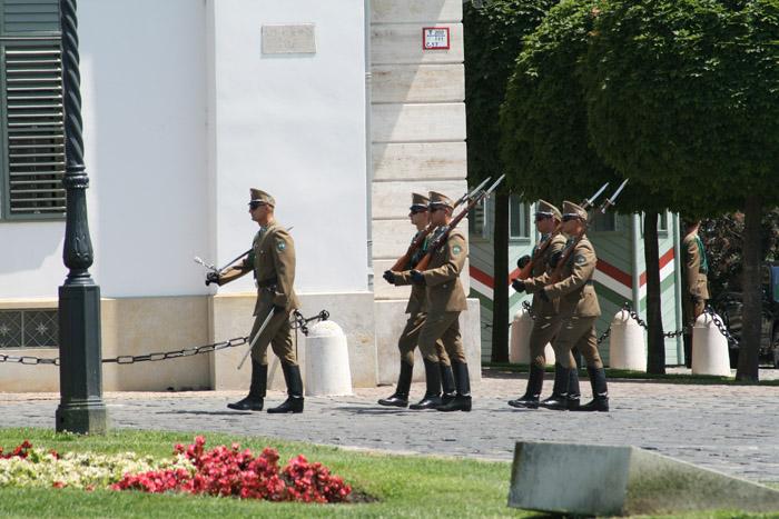 guardia armada budapest