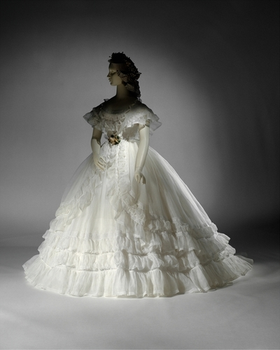 Angelic Accents: Vintage Wedding Gowns
