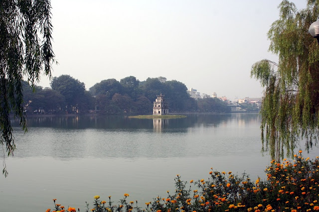 What to know and do in Hoan Kiem lake, Hanoi? 1