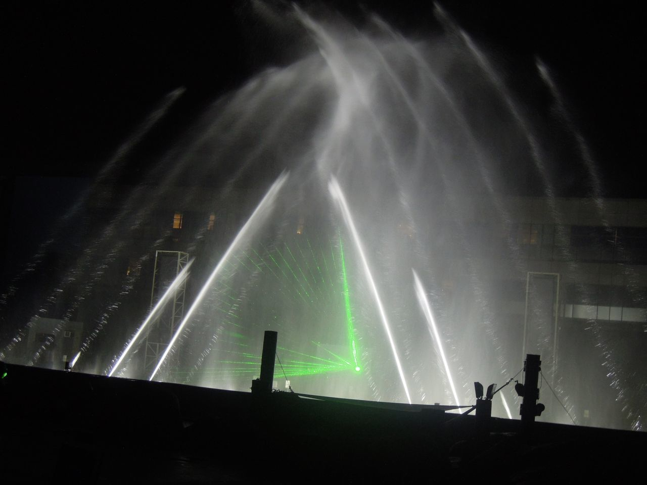 Light and water show at Manila Ocean Park