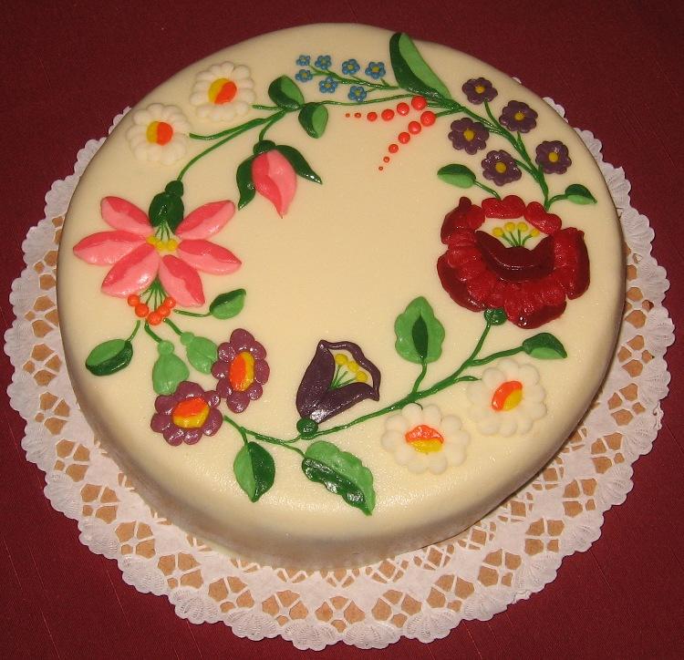 kalocsai mintás torta képek 52 hét 52 torta: 43. Kalocsai mintás torta 2 kalocsai mintás torta képek