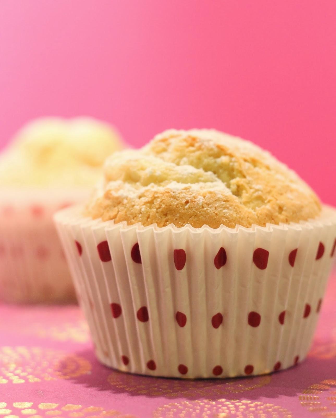 flo bidouille en cuisine muffin nuage la noix de cajou. Black Bedroom Furniture Sets. Home Design Ideas