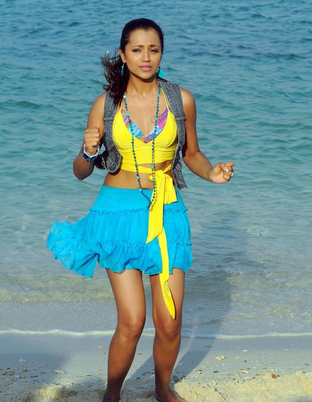 Sexy Tamil Actress Trisha Spicy Pics  Celebrities Wallpapers-4575