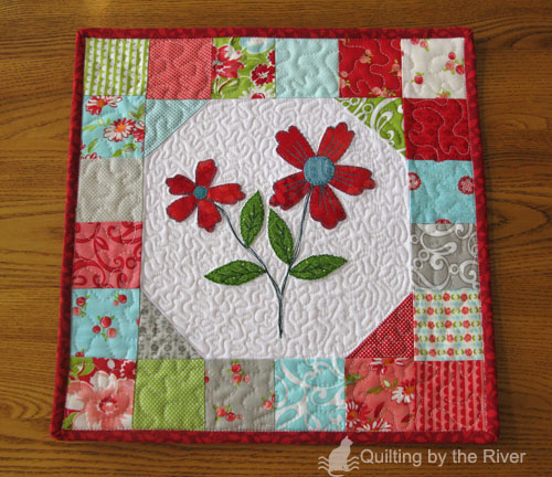 Ruby Floral Mini Quilt Free Tutorial