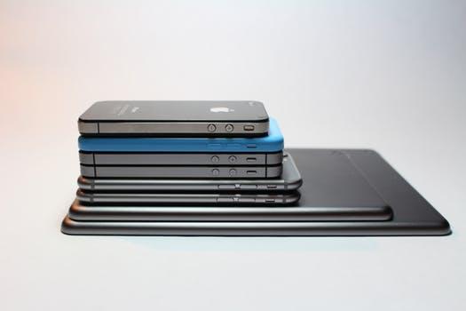 lawzikk get i phone at very low price