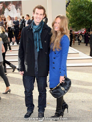 Kim Sears and her boyfriend