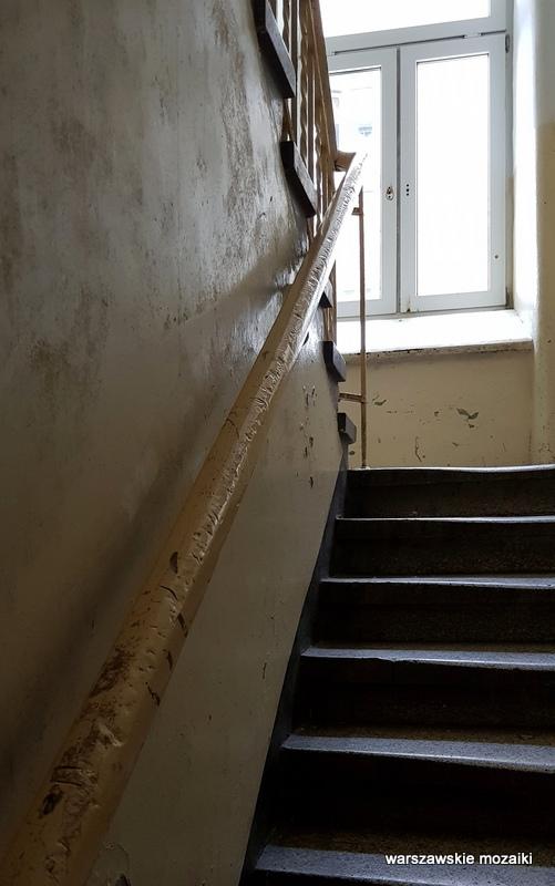 Warszawa Warsaw Praga Północ praskie ulice kamienica architektura praskie klimaty klatka schodowa schody
