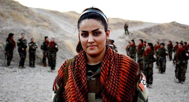 Κούρδισσες στρατιωτίνες που πολεμάνε κατά του Ντάες: «Δεν ξέρω πόσους σκότωσα. Αλλά είναι πολλοί».