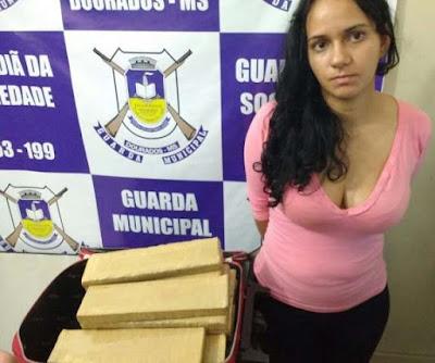 Com passagem por homicídio, mulher é presa pela Guarda Municipal de Dourados (MS) com maconha que rende R$ 1,5 mil semanais