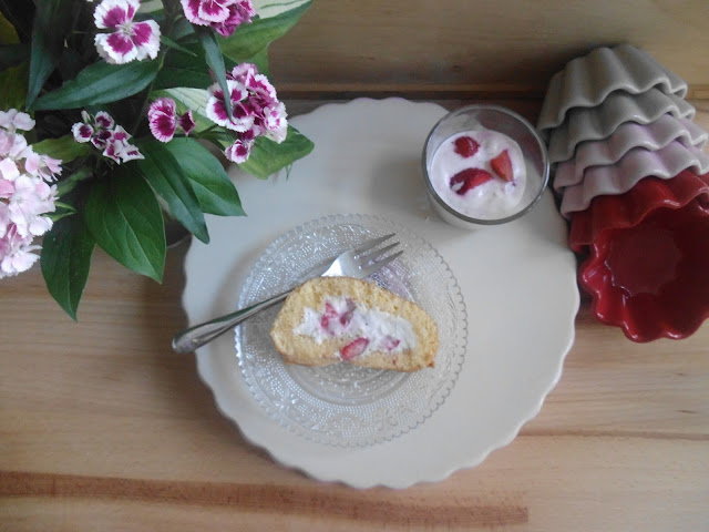 Erdbeer-Holunderblüten-Biskuitrolle von Franziska, Leserin ohne Blog