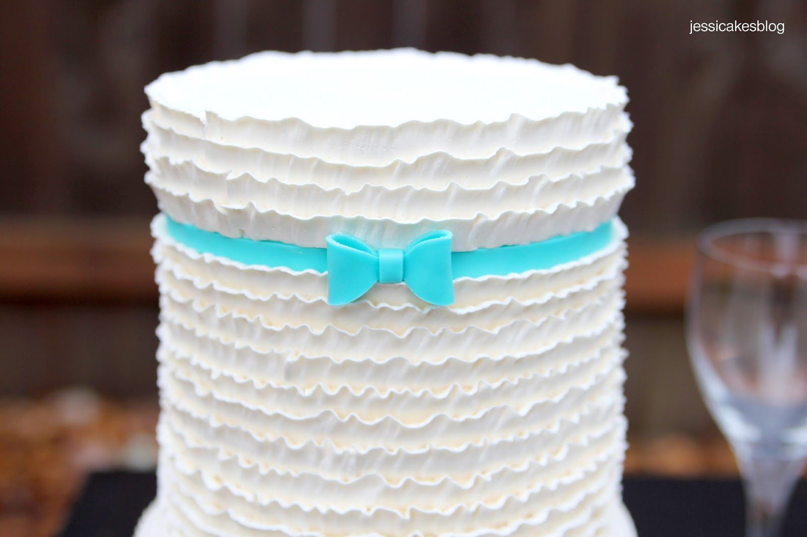 Cake Design Questions : Buttercream Ruffles Cake Tutorial