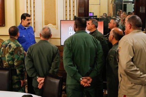 Pompeo reconoce que Guaidó no tuvo apoyo de la Fuerza Armada en intento de golpe en Venezuela