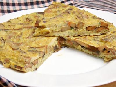 http://www.miscosillasdecocina.com/2016/11/tortilla-de-niscalos-rovellons.html