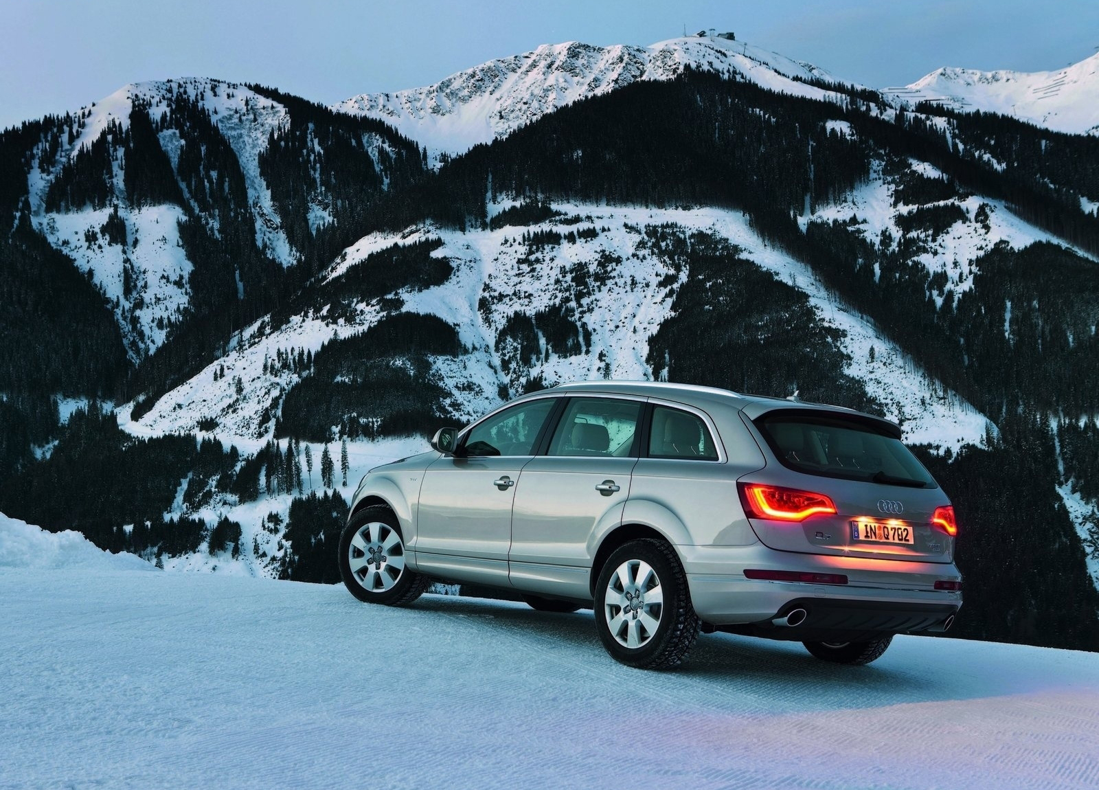 Audi Q7 Hd Wallpapers The World Of Audi