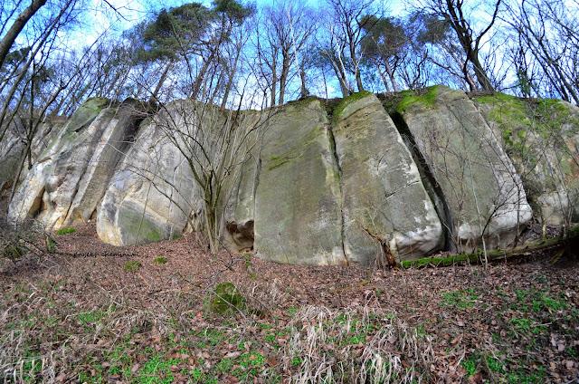 Jaskinie koło Żerkowic tzw. Huzarski Skok