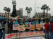 Trabajadores mineros inician huelga en Perú