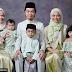 'Poligami ke ni?' - Netizen teruja dengan gambar keluarga comel ini