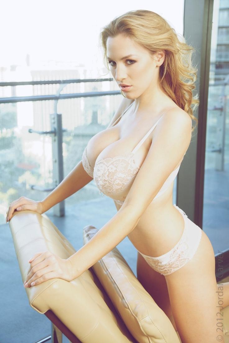 Tits In White Bra 92