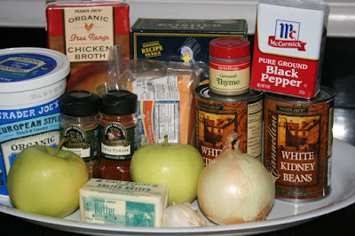 these are the ingredients you need to make white bean and apple chili in the crockpot slow cooker. Recipe by Stephanie O'Dea