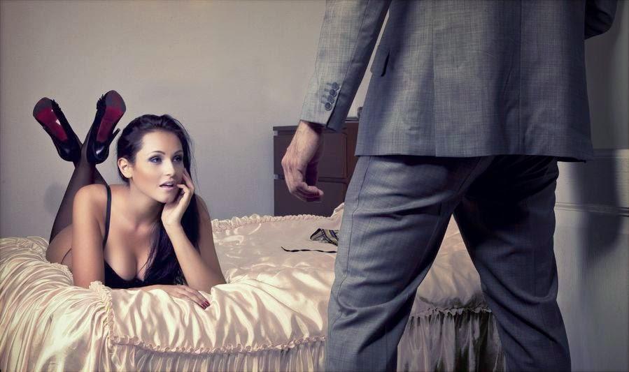 Жена подмахивает