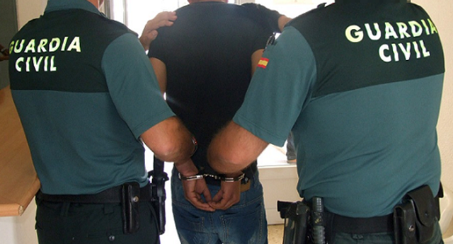 Detienen a un empresario que tenía a sus trabajadores en jaulas