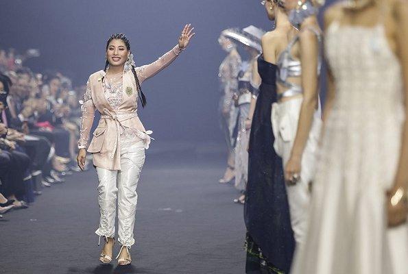 Sirivannavari Bangkok and S'Homme Spring/Summer 2019 collection