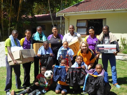 Hollywoodbets Newton Park team with children and staff from Khayalethu Youth Centre - CSI - Social Responsibility