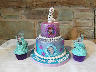 Elsa and Anna princess cupcakes