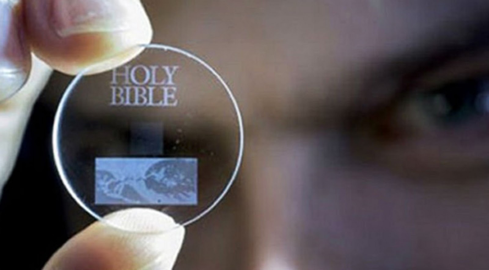This D Glass Disc Can Store Terabytes Of Data For - This tiny glass disc will hold 360 tb of data for 138 billion years