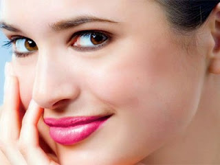 memang wajib dilakukan bagi kalangan perempuan yang selalu meperhatikan penampilan Tumbuhan Berkhasiat 22 Tips Mencegah dan Menghilangkan Kerutan Dibawah Mata