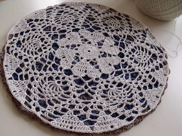 free crochet patterns, how to crochet, hearts, mandalas, doily, placemats, doilies,