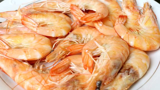 Cocer langostinos en su punto jugosos y deliciosos