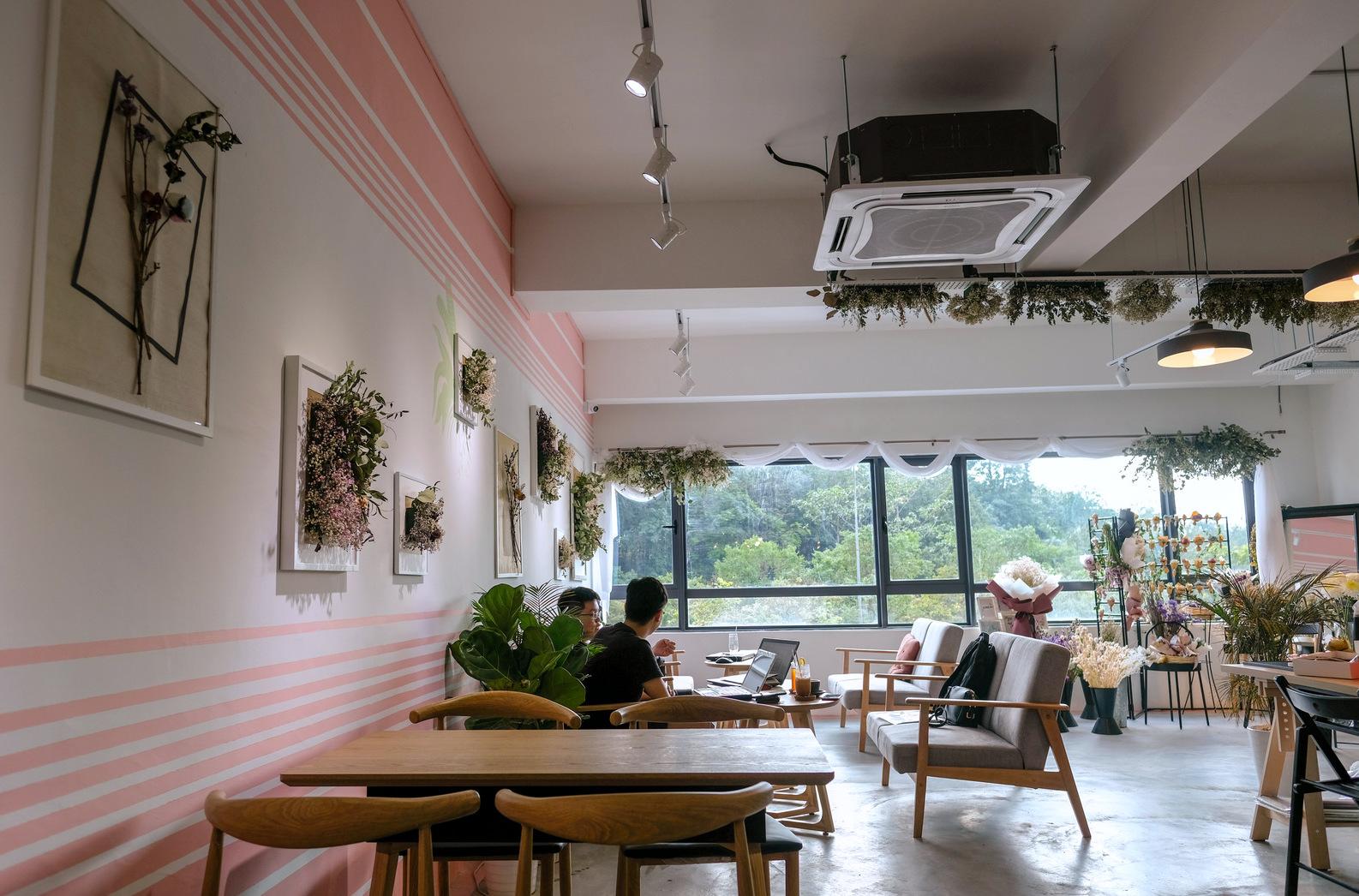 daisy & peony florist cafe, bukit jalil