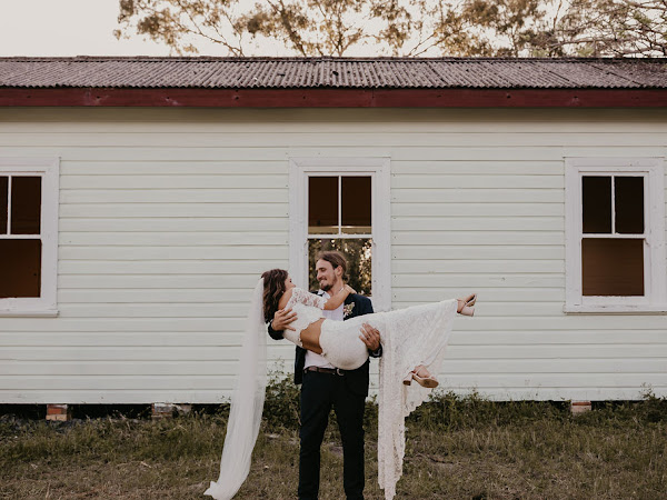➳ LAURA AND LUKE | LOVED UP COUNTRY WEDDING {BILLINUDGEL}