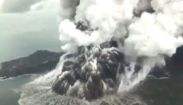 Breaking News!! Selain Gunung Anak Krakatau, 3 Gunung Ini Juga Berstatus Siaga III