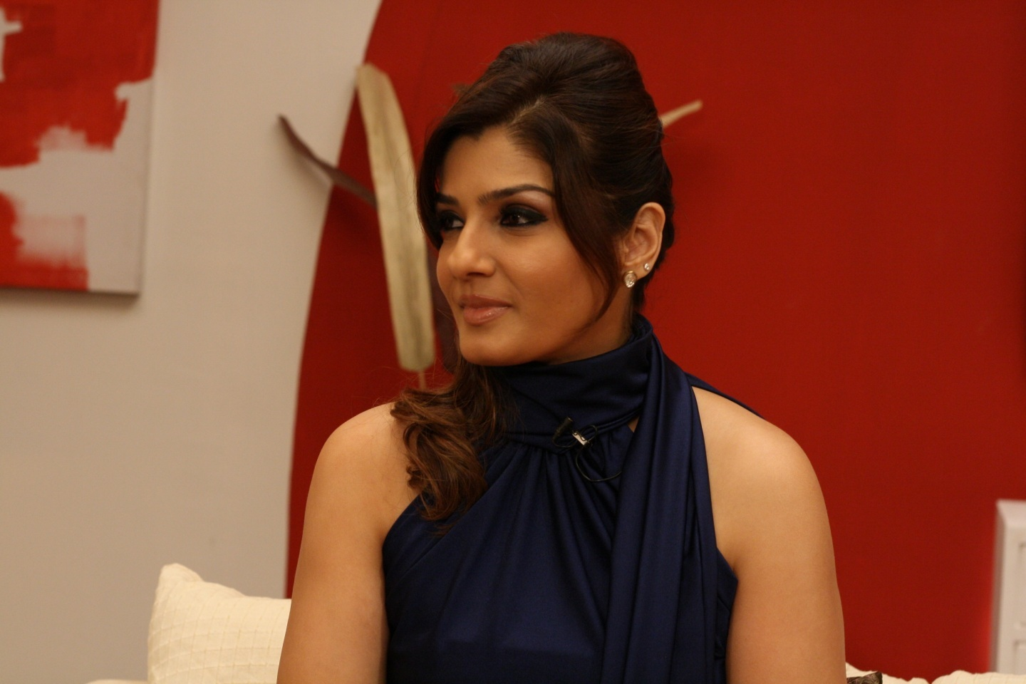 Raveena Tandon Wallpapers Free Download