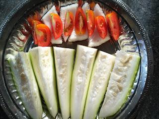Sun cooked breakfast (Salad) - Bottle gourd, Coconut, Tomato