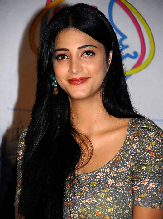 Tamil Actress Shruti Hassan Hot Photos In Jeans Outfit Dress  Cine Pictures-7563