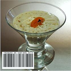 Sagu com coco servido na taça