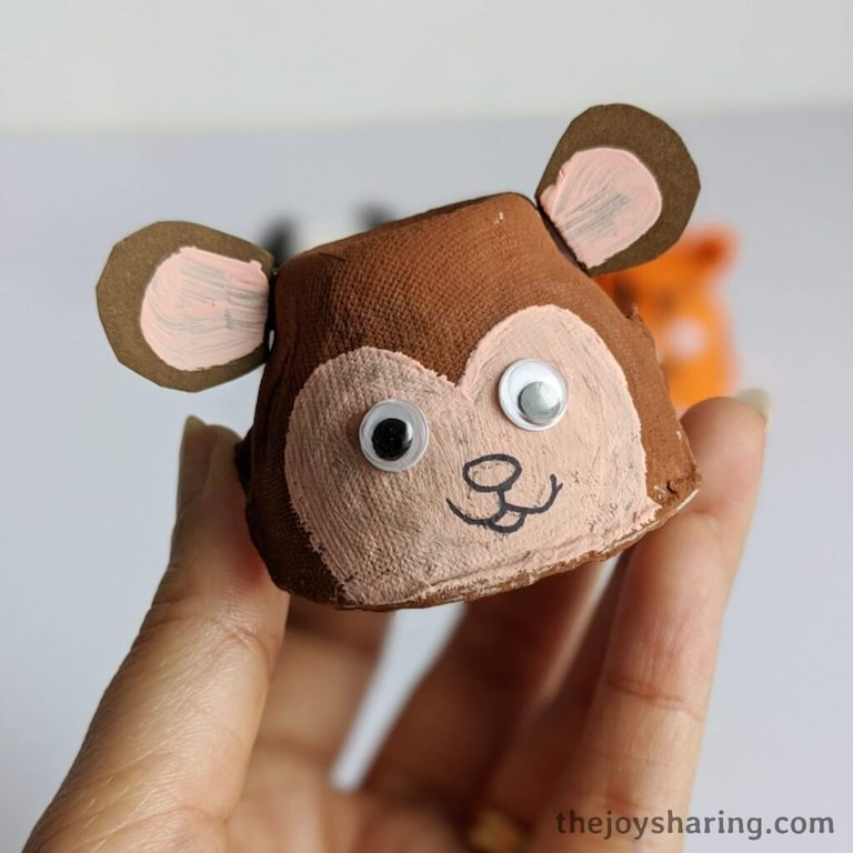 How to make monkey craft using egg carton?