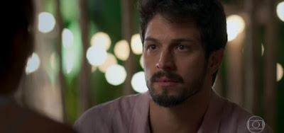 Marcos (Romulo Estrela) usará ajuda inusitada para conquistar o coração de Paloma (Grazi Massafera)